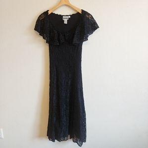 ✨Vintage black lace dress